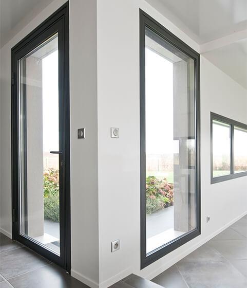 des portes et fenêtres en aluminium